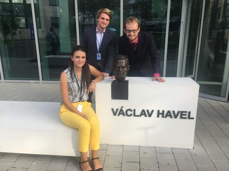 Trainees with bust of Václav Havel in Strasbourg